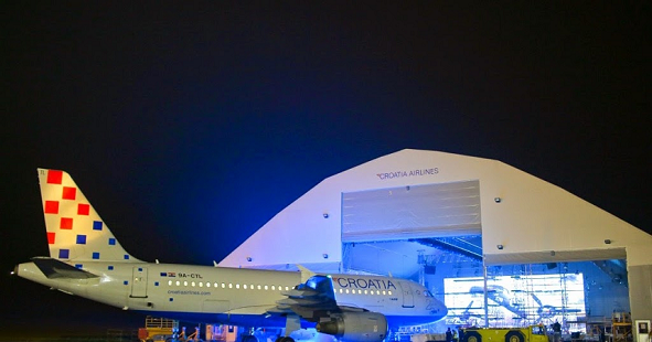 a320-with-open-hangar-light-show.png